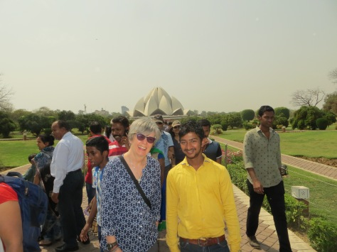 Lotus Temple photo bomb_20170319