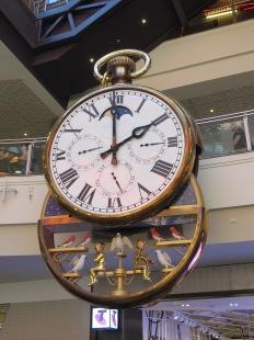 Clock opening2